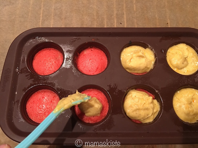 Deutschland Cakepops gold auf rot