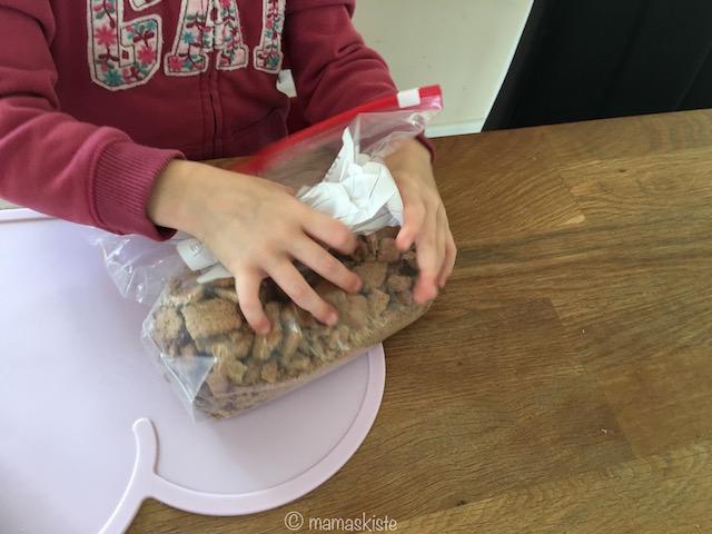 Sommerlicher Brombeerkuchen Kekse klein